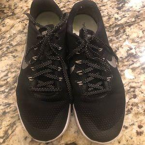 Nike Metcon 4 EUC Black Sz 9